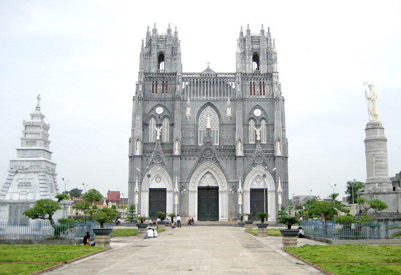 phu nhai church