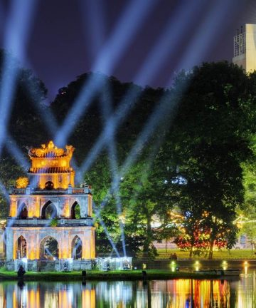 Turtle Tower in Hoan Kiem Lake Travelhanoi