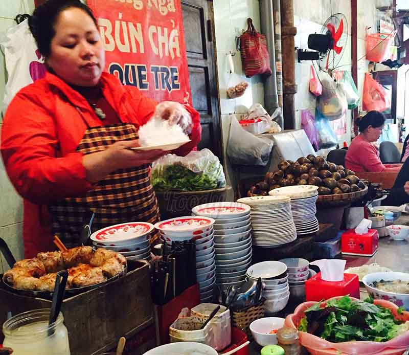dong xuan market food court
