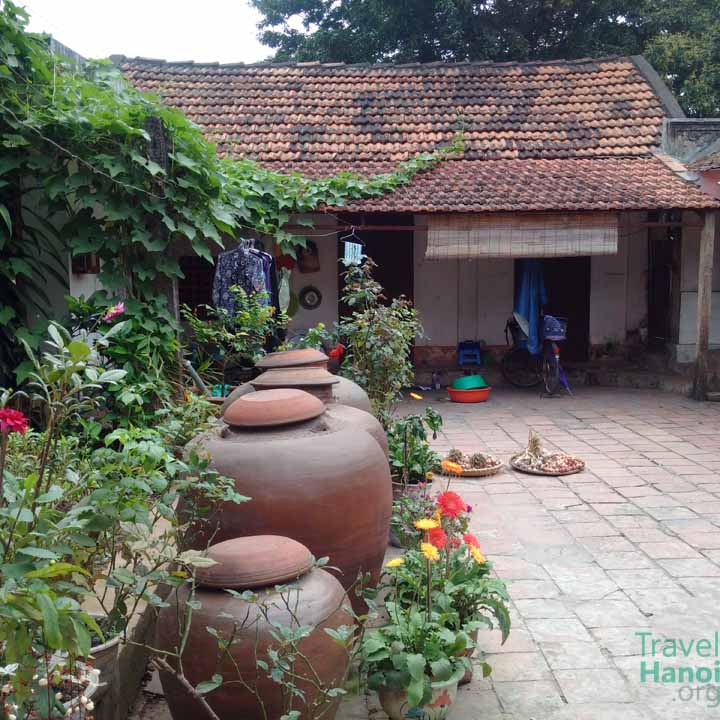 duong lam house garden