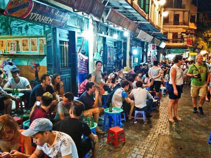 Eat Hanoi street food safe - How to taste street food safely in Hanoi