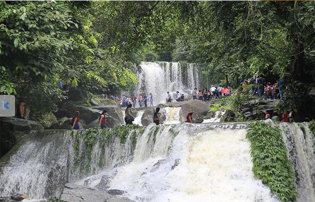 KHOANG XANH-SUOI TIEN TOUR IN HANOI
