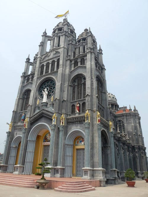 thanh danh parish church