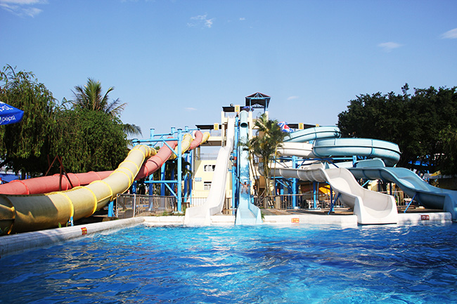water park west lake