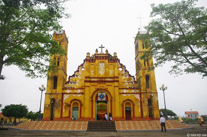 xuong dien church